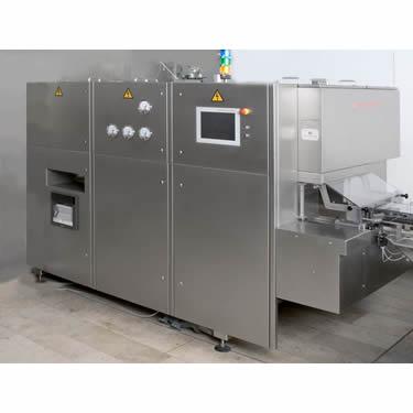 f_processo_produzione_sterili_riempimento_siringhe_tunnel_di_sterilizzazione_dht_1